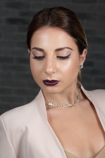 Eyeliner & Vamp Lips